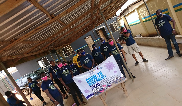 COVID-19: Rtn. Aderibigbe Samuel Leads Team, Donate Relief Materials, Nose Mask (PHOTOS)